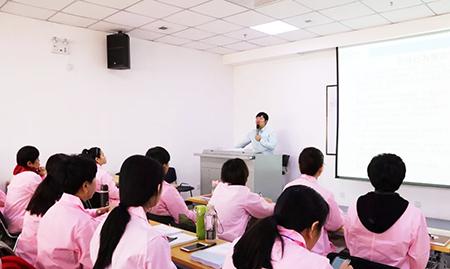每月两期开班,期期爆满!中医技能培训持续升温~